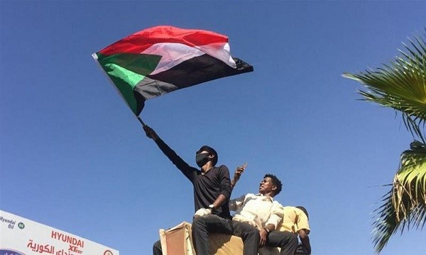 Chaos in Khartoum as Sudanese Army is to make